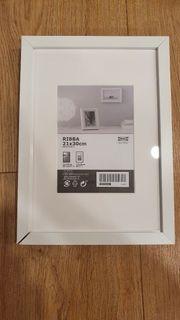 IKEA Ribba Bilderrahmen weiß 21x30cm