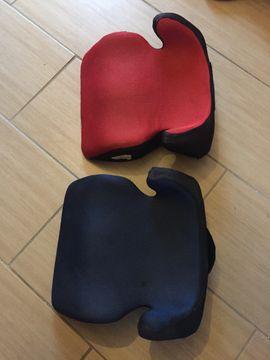 Zwei Kindersitze für das Auto: Kleinanzeigen aus Mannheim Käfertal - Rubrik Autositze
