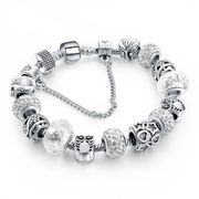 Elegantes Damenarmband in farbe Silber
