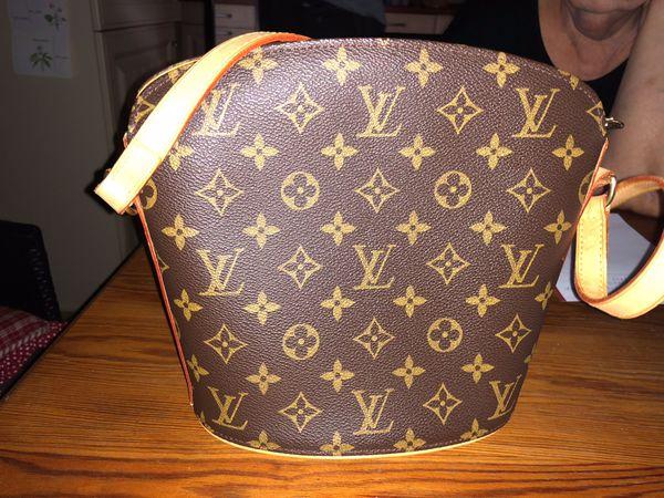 3d5893bb04e30 Louis Vuitton Original Handtasche im guten Zustand (NP 1.395