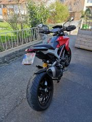 Ducati Hypermotard 821 frisch aus