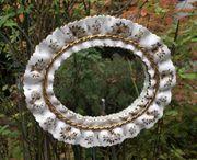 Porzellan-Spiegel in Rüschenoptik
