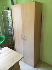 Schrank aus Holz