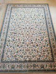 zeitloser Teppich 193x133cm