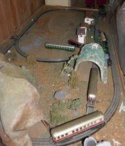 Trix express alte Eisenbahnanlage verstaubt