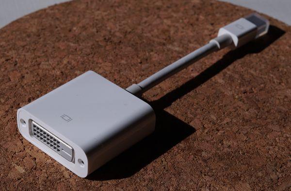 Original Apple Mini DisplayPort auf