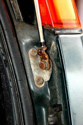 Bild 4 - Gasdruckdämpfer Antenne Toyota Corolla - Bietigheim