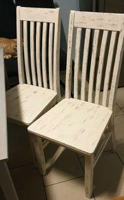 2 Shabby-Chic weiße massive Stühle