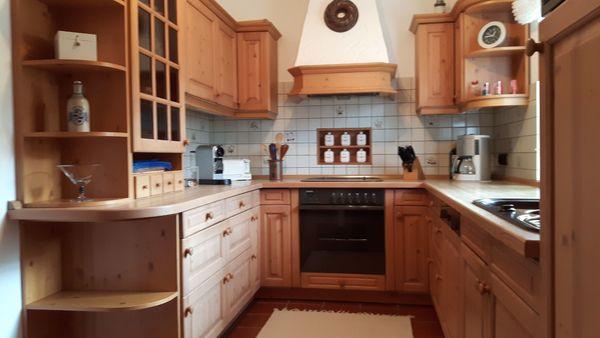 Einbauküche aus Fichtenholz