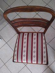 Antiquariat 4 Stühle 2 Armstühle Tisch