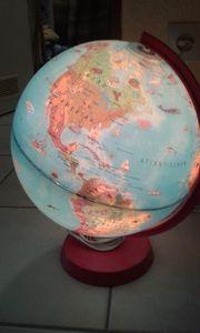 Globus Felix mit Heft