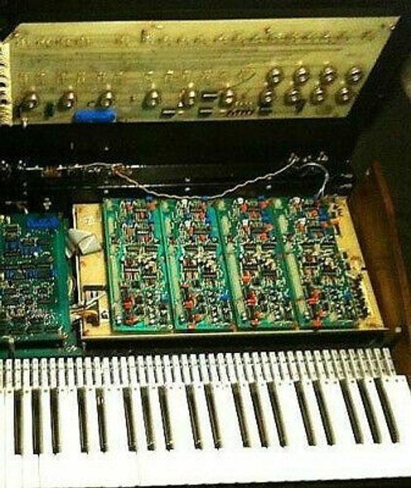 Tüftler sucht defekt Equipment Synthesizer