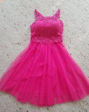 Schönes Kleid für besondere Anlässe