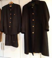 Mantel und Anzug