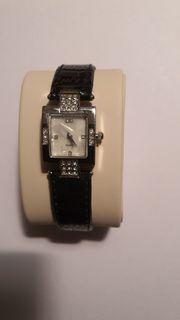 Damen Armbanduhr mit Lederband