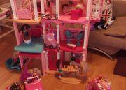 Barbie Haus mit viel Zubehör