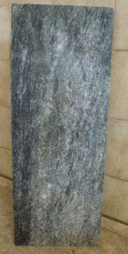 Eine graue Marmorplatte dezent gemustert