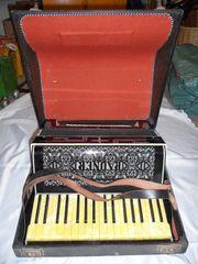 Vintage RAUNER Ariola Akkordeon im
