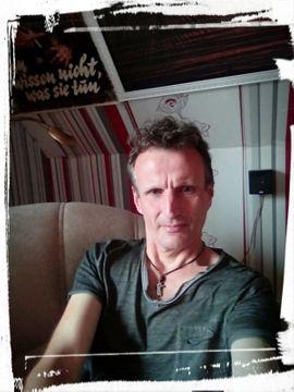 Er sucht sie für erotischen: Kleinanzeigen aus Aurich Innenstadt - Rubrik Er sucht Sie (Erotik)