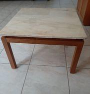 Tisch mit Natursteinplatte