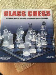Schachbrett aus Glas