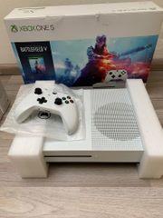 Xbox One S 1TB 1