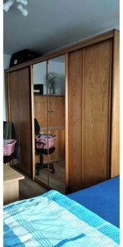 Schwebetürenschrank braun mit Spiegeltür