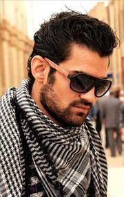 Ein junger Mann Arabisch der