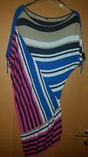 Oversize-Pullover mit asymmetrischem Saum von