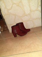 Weinrote Schuhe