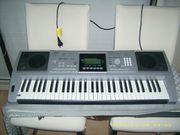 2 Keyboards zu verkaufen