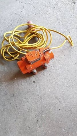 Geräte, Maschinen - Rüttler PFT für Silomat Putzmaschine