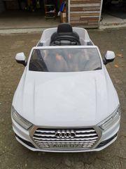 Audi Q7 Elektro Auto für