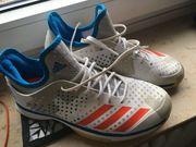 Adidas Hallen-Sportschuhe