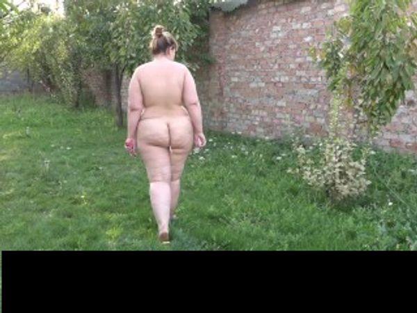Nackt im Wald Frauen für