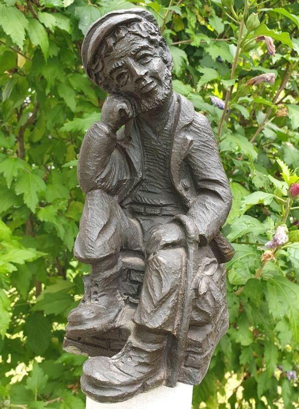 Figur Wanderer Vagabund Schnitzoptik