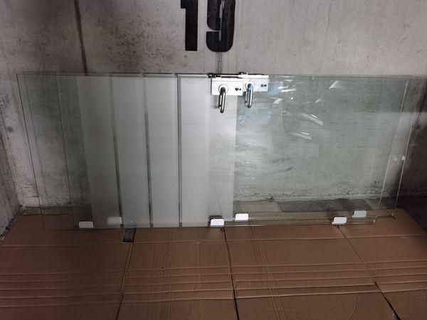 Glastüren mit Alurahmen
