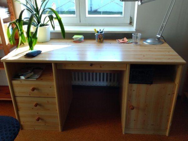 Gut erhaltener Schreibtisch mit onne
