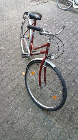 Ragazzi Liner weinrotes 28 Zoll: Kleinanzeigen aus Karlsruhe Grünwinkel - Rubrik Damen-Fahrräder