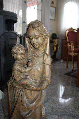 Madonna Holzfigur Heiligenfigur Marienfigur Mutter: Kleinanzeigen aus Pforzheim Nordstadt - Rubrik Kunst, Gemälde, Plastik