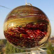 Bunte Glaskugeln zum Aufhängen