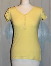 Gelbes Shirt mit Spitze am