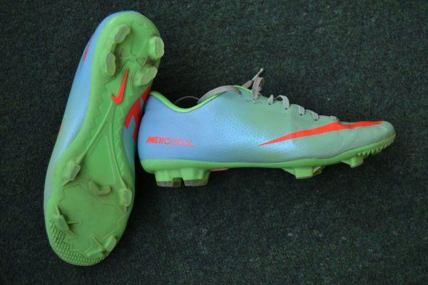 Verkaufe Fußballschuhe, Nike Mercurial mit Nocken, Gr. US 8