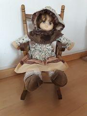 Puppe mit Schaukelstuhl Puppe ca