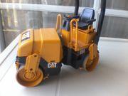 Spielzeugauto - Baustellenfahrzeug - Walze - Strassenwalze - Cat -