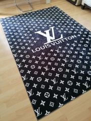 Louis Vuitton Teppich Neu als