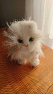 FurReal Katze läuft und schnurrt