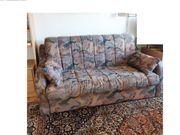 Bequemes Schlaf - Sofa mit geteiltem