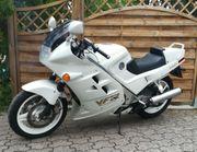 Verkaufe Honda VFR750F RC24