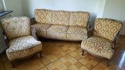 Couch und zwei Sessel
